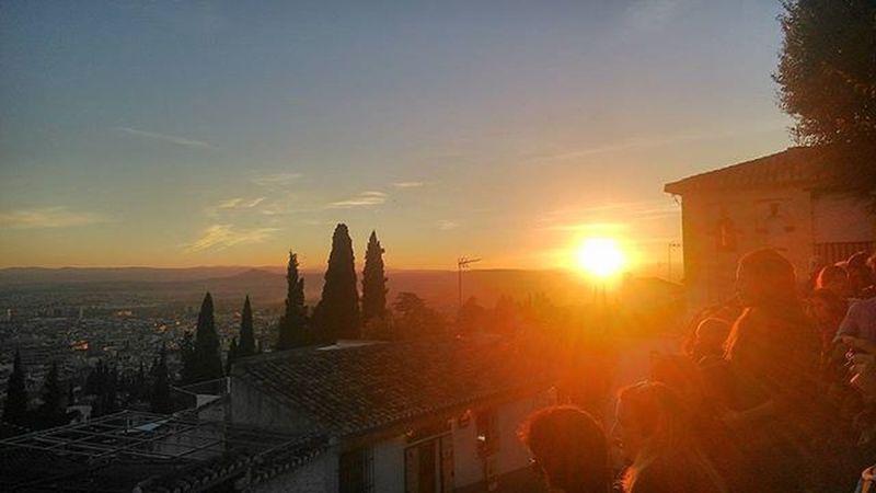 Atardecer Ocaso Sunset Tramonto Albaicin Granada España Flamenco Alhambra Miradorsannicolas Colour Sungoesdown Bamboleiro Bamboleiras Penisolaiberica Iberici Ibericos