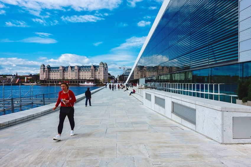 Oslo Opera og Havnelager #sonyrx100V #rx100v #fjord #havnelageret #norway #Oslo #bjørvika Real People Sky Men Architecture Cloud - Sky Lifestyles Full Length Built Structure Women Sunlight