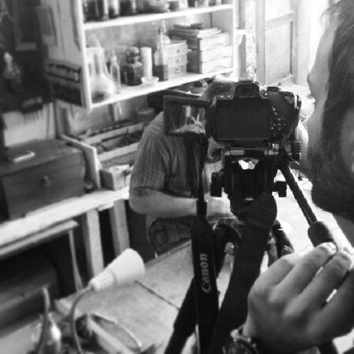 TRT Müzik Luthier İstanbul'da Belgesel çekimi. Luthieristanbul Luthier Trt TRTm üzik Makeviolin Violin Viola Violoncello cello Çello Keman violinmaker İstanbul kamera camera ışık light