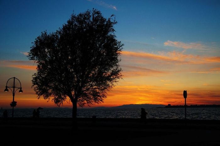Skyporn #sunset #sun #clouds #skylovers #sky #nature #beautifulinnature #naturalbeauty #photography #landscape Sky_collection Sun_collection