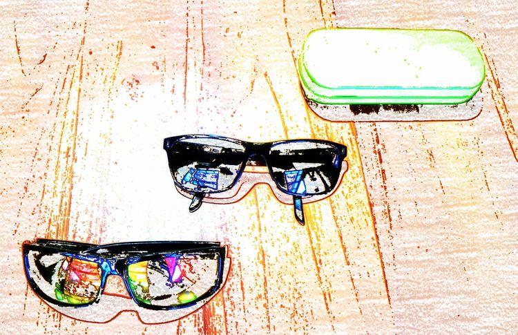 Transportation Graffiti & Streetart Glasses Reflect Sunglasses Close-up Glass Art Glass Windows