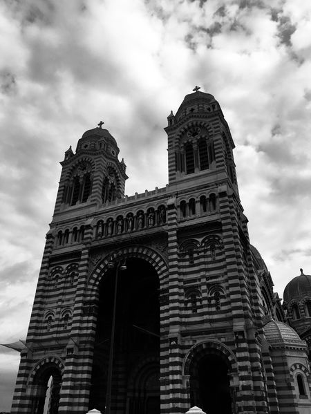 cathedrale ⛪️ Provence Clouds Nuages Patrimoine Cathedrale Marseille Eglise Mucem Monument Architecture Building Exterior Built Structure Low Angle View Sky Cloud - Sky History The Past Travel Destinations Building Travel Tourism Nature Tower Arch City Day Place Of Worship Religion Belief