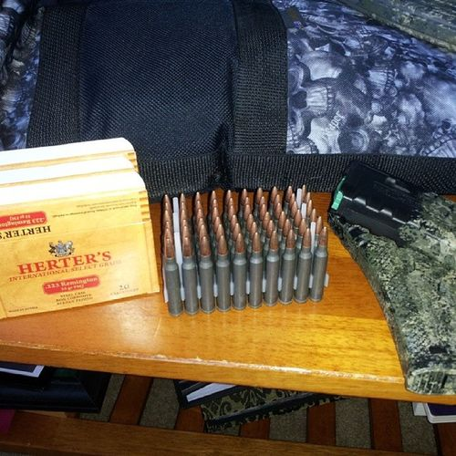 Reloading some MagpulPmags with some cheap ass HortersSteelCaseAmmo ... $5.99 for 20.. Oorah PewPewPew Guns gunporn