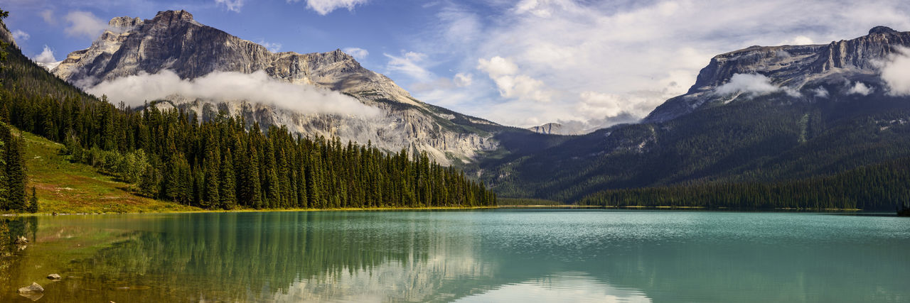 Canada Rockies Panorama Emerald Lake Emerald Lake,canada Lake Lake View Landscape Mountain Range Mountains Rockies