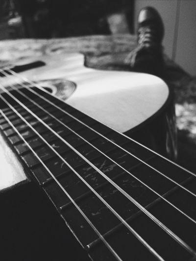 Guitar and chill Blackandwhite Focus Guitar Multimay Converse Converse All Star