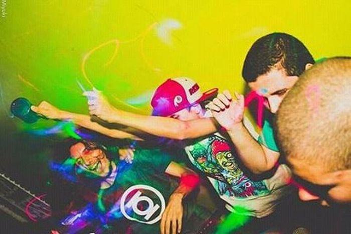 Fotografamos festas sim! Party People Portoalegre  Arte Art Folhadesaopaulo Colorful Turistando Fotomissao Fotografia Urban Achadododia Achadosdasemana Peoplescreatives Pessoas Miyukiphoto Miyukifotografa Fotomissao Urban Urbano Paixaofoto Partytime