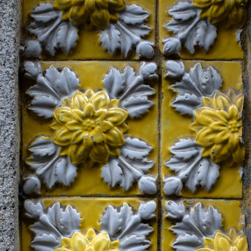 Flower Flowering Plant Yellow Plant Close-up No People Freshness Fragility Beauty In Nature Vulnerability  Petal Flower Head Art And Craft White Color Inflorescence Pattern Growth Full Frame Nature Day Floral Pattern Ceramic Tiles Craft