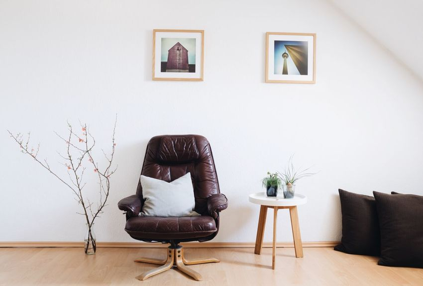Interior Views Interior Design Furniture Design Living Room Clean Bright Interior Interior Decorating Design Eyeem Market Copy Space Negative Space Leather Armchair Leather Chair Armchair Chair Images Vase Flowers Modern Modern Interior Modern Design Cushion Pillows My Favorite Place