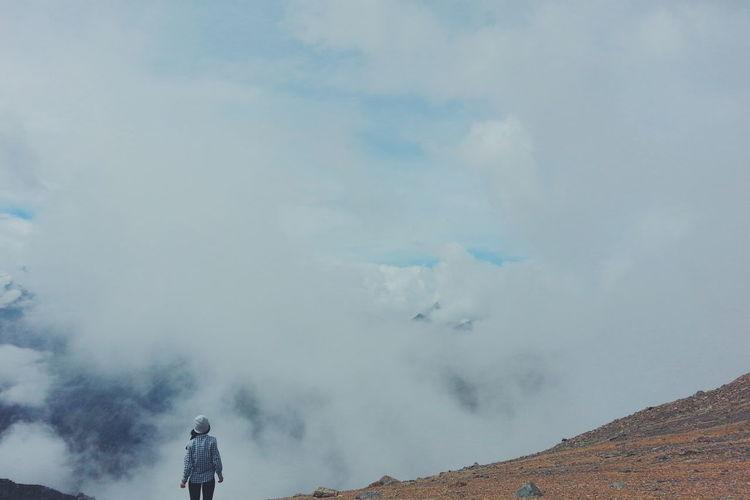 Enjoying Life Clouds And Sky Mountains Mountain Lover Mountain Hiking Hikingadventures Explore Trekking Discover  Relaxing