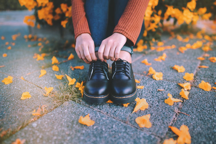 Life is a journey. 🍂👞 One Person Shoe Low Section Human Body Part Real People Body Part Human Leg Day Leaf Selective Focus Plant Part Lifestyles Autumn Nature Outdoors Standing Adult Leisure Activity Change Human Foot Leaves Jeans Autumn Autumn colors Celebration