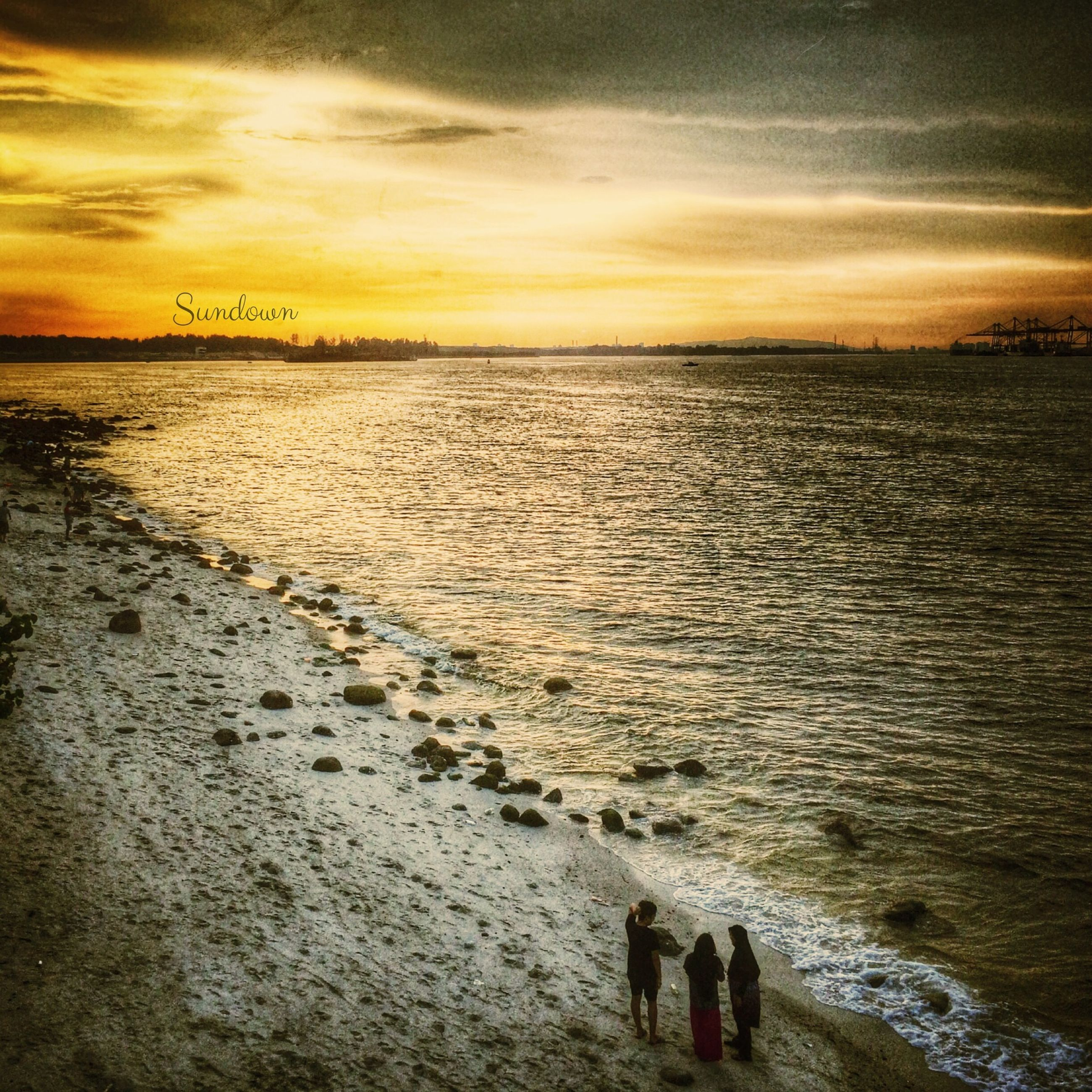 sea, water, sunset, sky, horizon over water, beach, scenics, shore, cloud - sky, beauty in nature, tranquil scene, tranquility, wave, nature, silhouette, idyllic, leisure activity, orange color, lifestyles