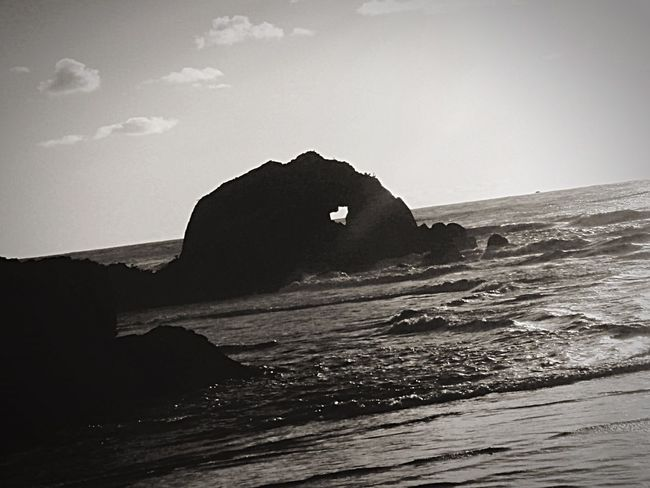 Monochrome Photography Heart Shape Shape Of My Heart Sting 😊❤️ Sea Rock Tranquil Scene Beauty In Nature Sky Nature Outdoors Cloud Hello World EyeEm Team San Francisco Eyem Gallery Siyahbeyaz Blackandwhitephotography Black And White Blackandwhite Black & White Blackandwhite Photography Black And White Photography EyeEm Best Shots The Great Outdoors - 2017 EyeEm Awards Black And White Friday