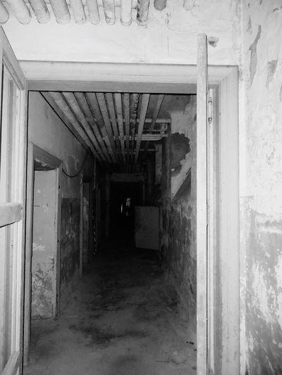 Basement Verlassene Klinik Abandoned Hospital Abandoned Places Abandoned Switzerland Verlassene Orte Verlassen Schweiz Horrorart Horrorhouse Darkroom Dark Abandoned House