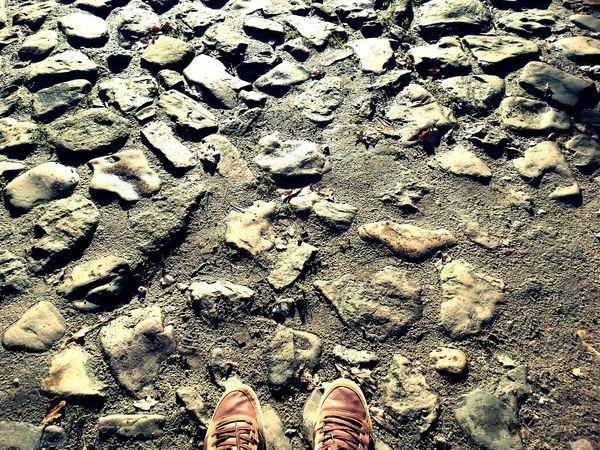 Stein Steine Boden Schuhezeigen Nature Straße Streetphotography Hello World Taking Photos EyeEm Best Shots Mobilephotography Samsung Taking Pictures Walking Around Walking Shoes AMPt_community AMPt_community Hi! Mobile Photography Out Of The Box