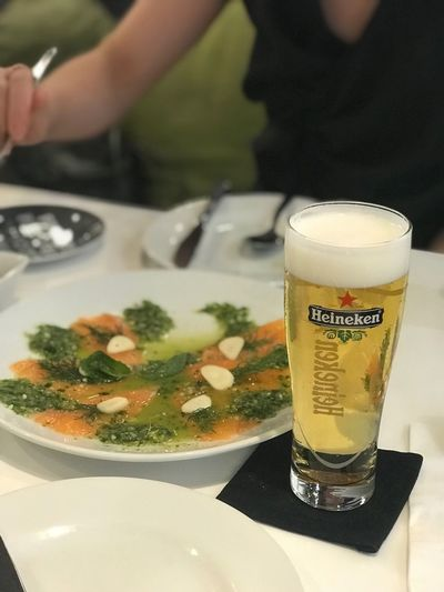 Heineken Cafe Dinner Lunch Friends Tapbeer Beer Glass Heineken Beer Food And Drink Food Drink Freshness Table Indoors  Refreshment Glass Ready-to-eat Restaurant Plate