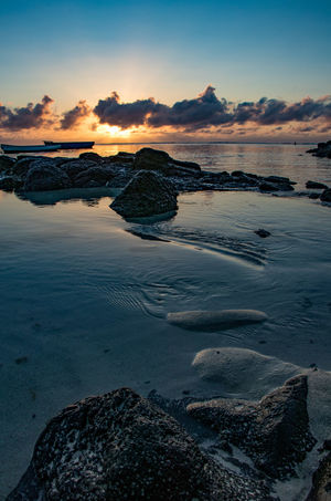 Landschaft Meer Nature Palmen Palms Sonnenaufgang Strand Beach Beauty In Nature Cloud - Sky Day Indischer Ozean Island Küste Landscape Mauritius Nature No People Outdoors Sky Sunrise Sunset Vacation Wasser