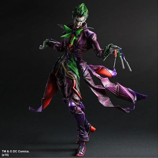 Just wanted to let everyone know that this beautiful figure went on pre-order @bigbadtoystore. This is the Variant Joker from the Play Arts Kai line. Comes with a hand holding knives l, as seen here, along with two extra hands and a single blade. Love the design! He is due out in February 2015 and is actually $10 off st Bigbadtoystore for a total of $89.99. Click the link in my description for more info and to pre-order yours today!