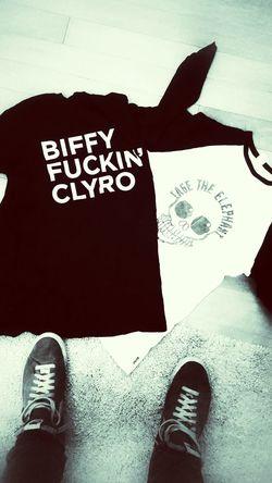 Bands. BiffyClyro Cage The Elephant Biffy Clyro Band Band T-shirt Nike Nikeblazer Blackandwhite Gig Music