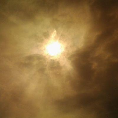 Polarized view of the sun Luckywelivehawaii Instagood Instaphoto Instalove Family Instahi Instahome Hawaii Bigislandlove Ohanalove Bloodline  Fluffy Grey White Clouds Overcast Vog Bleh Lovemyhawaii Home Bigislandgurl