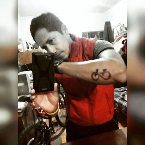 Listo! PaseoDeTodos VolverAlFuturo ChalecoRojo RunningBike TattooBike Tattoo AmoRodar