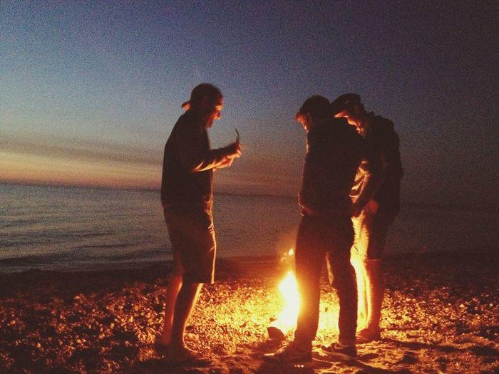 lagerfeuer im sande verweht Bonfire On The Beach Sunrise Water_collection