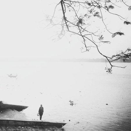 The Lonely Loner... Redmi2Prime Redmi Redmiclicks Bnwindia Bnw_india _soi Ig_calcutta India Kolkata Incredibleindia Indiapictures Indiaclicks Storiesofindia Lonelyplanetindia Streetsofkolkata Streetphotography Streetsofindia Instagrammers Dailylifeindia Indiadaily Snapseededit Snapseed Desi_diaries