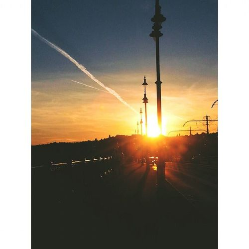 Megegy naplemente👌 Sosem Eleg Beauty Sunset Lemegyanap Margithid Lazyday Hastaggram Instaszep Goodday Hangout BP Budapest Bplife