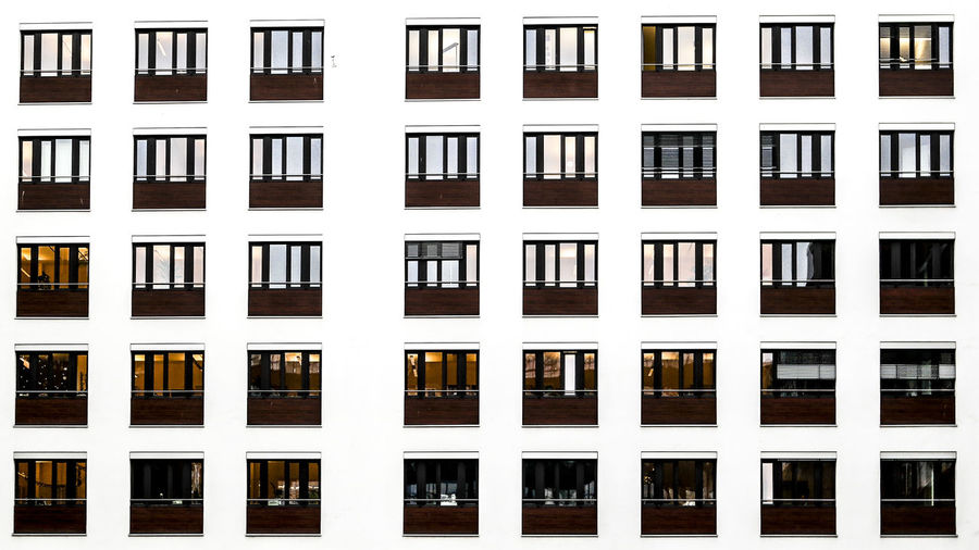 Marcweberde Building Exterior Window Architecture Built Structure Full Frame Building Side By Side In A Row Backgrounds Residential District Repetition No People Glass - Material Pattern Outdoors City Day House Apartment