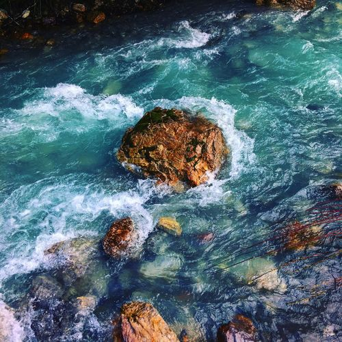 Standhaft Standhaft Stein Fluss River Stone Rock - Object High Angle View Water Nature No People Beauty In Nature Waterfront Outdoors Wave Day