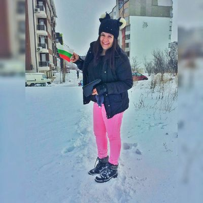 Winter Cold Temperature Snow Beautiful People People One Woman Only Only Women Frozen Ice Look So Pritty Bulgaria Bulgarian Bulgariannature Bulgarian Girl Faces Of EyeEm Follow Follow Follow Pretty Girl Followbackalways Happiness Hello World ✌ FirstEyeEm Real People Young Women Feeling Pretty First Eyeem Photo