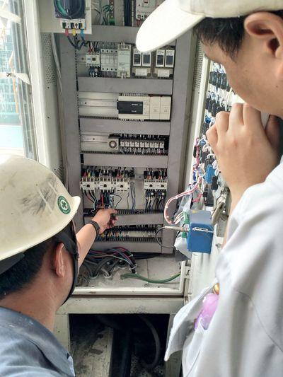 electical engineer Working Men Occupation Technician Close-up