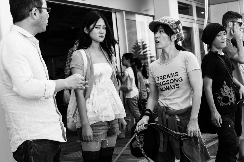 Sony A6000 People A6000 Sony Okinawa Street Photography Chatan Girl Black & White Black And White Natural Light Oki Woman Hanging Out