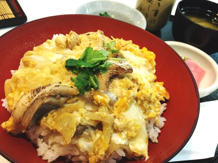 Enjoying A Meal Bowl Of Rice With Chicken And Eggs 近江鶏の親子丼 Japanese Food 親子丼