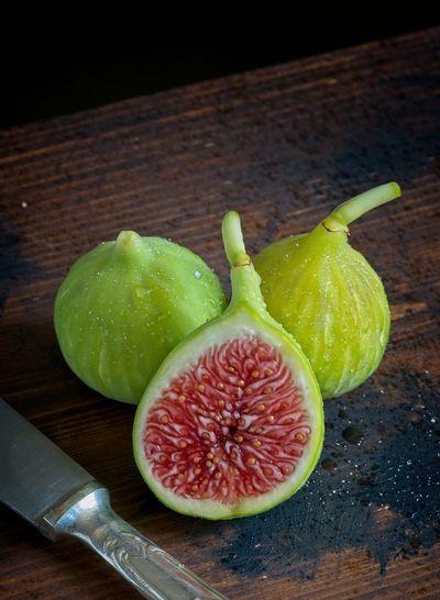 Fresh figs Figs