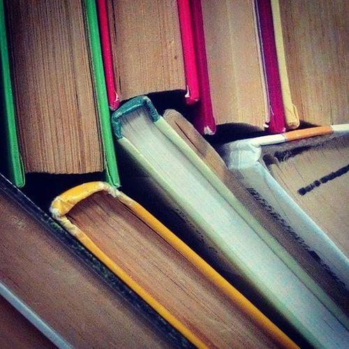 Books Pattern Paper ספרים
