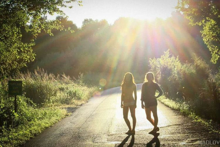 Darkness And Light Light And Shadow Bff❤ Friends Check This Out Madlovphotos Madlovphotography Canon EyeEmBestPics EyeEm Best Shots