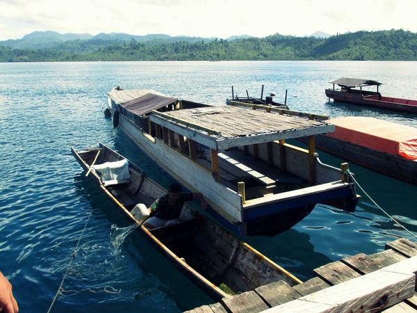 Longboat in Halmahera Selatan Cultural Halmahera Selatan Halmahera Indonesian Indonesia_photography Traditional Transportation Long Boat Visit Indonesia