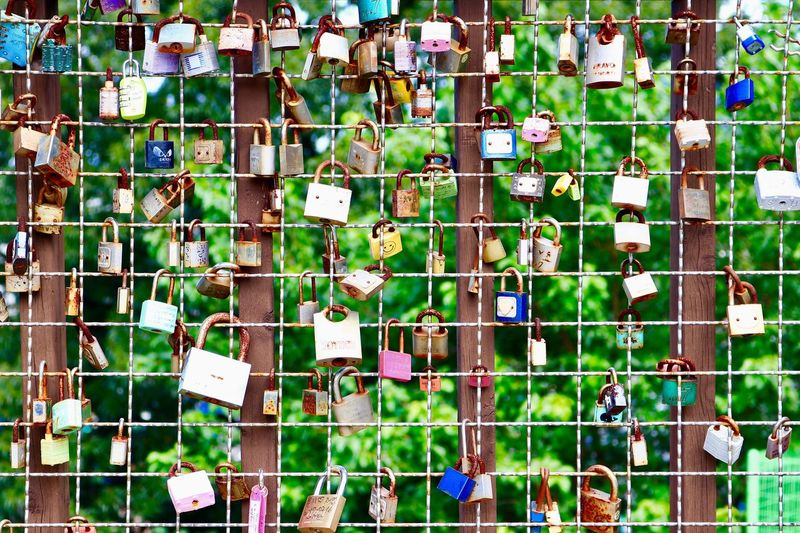 Green Color Large Group Of Objects Padlock Variation Abundance Day Hanging Multi Colored Full Frame Outdoors Reminder No People Backgrounds Architecture Close-up I Want To Know Your Secret, C I Always Thinking About U, G Thank You,❤️ 감사합니다