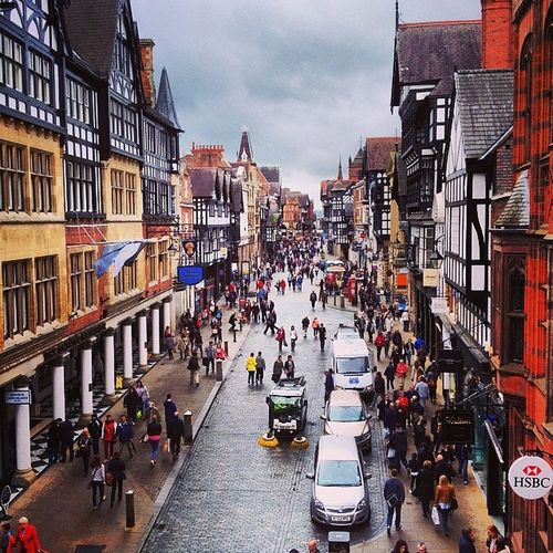 Chester main road Chester Tudor Tudorbuildings Chestercity Busy People Crowd
