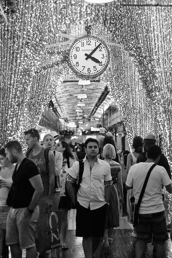 Blackandwhite Casual Clothing City Life Clock Day Enjoyment Large Group Of People Leisure Activity Lifestyles Light Lux Mixed Age Range NYC Outdoors Shopping The Street Photographer - 2016 EyeEm Awards Time Tourism Travel Destinations