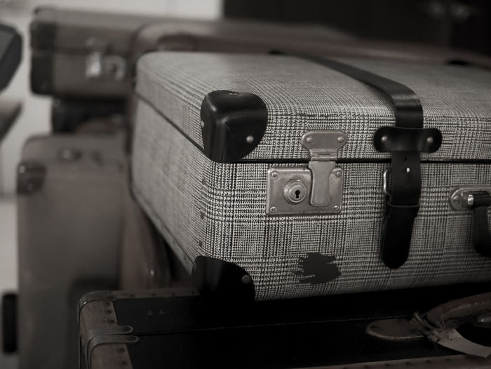 back to the old day memories by vintage style Travel Destinations Black And White Vintage Style Old Fashion Style Previous Old Town Travel Photography Light And Shadow Selective Focus Travel Luggage Bag Suitcases Of Memories