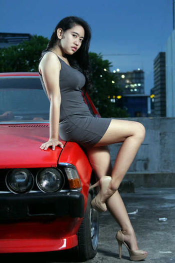 Model Great Talent Night Photography Walkaway on Bintaro with Canon 60D and Zoom In Photography Fams