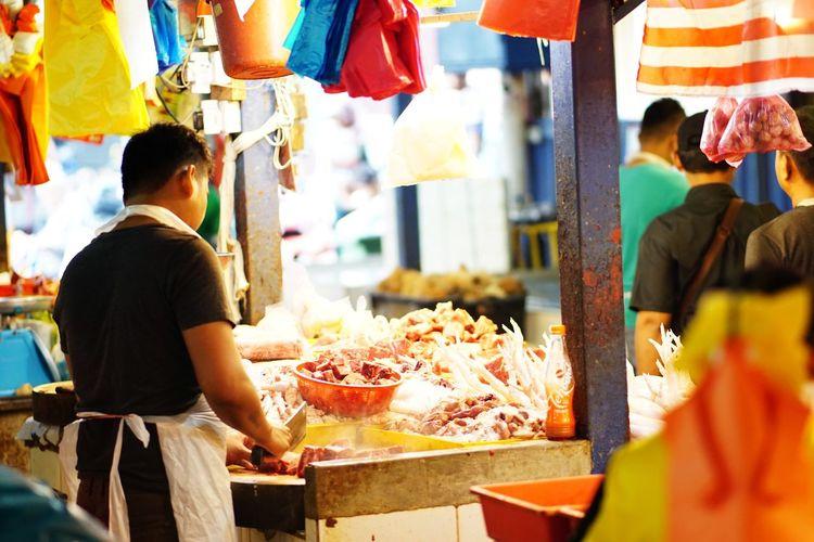 Streetphotography Wetmarket Wetmarketscene Butcher Knife Meat! Meat! Meat! Whitemeat Market Retail  Healthy Lifestyle Variation Market Stall Market Vendor Food And Drink Farmer's Market Display Selling For Sale Street Market Stall