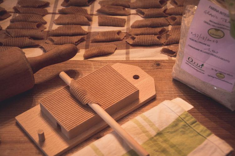 Biological Emilia Romagna Garganelli Home Made Pasta Italian Food Made In Italy Table Wholemealpasta Wood