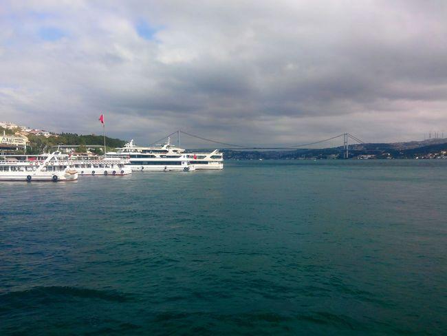 Uskudarda Vapur Iskelesi Pier Steamboat City Sea View Istanbul Uskudar