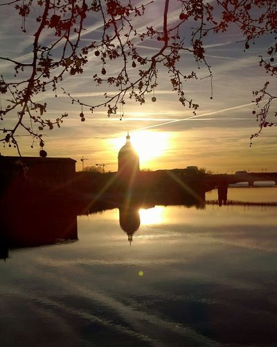 EyeEmNewHere Tourism Toulouse Toulousephotographer Sunset Reflection Bynight Occitanie City Citylife Light Outdoors Scenics Beautiful Sunset Reflection Silhouette Sky Outdoors No People Nature
