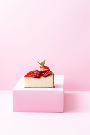 German cheesecake with strawberries and mint by Backbube Foodforfoodies Studio Shot Food Food And Drink Still Life Sweet Food Gift Sweet Dessert Pink Color Cake The Still Life Photographer - 2018 EyeEm Awards The Still Life Photographer - 2018 EyeEm Awards