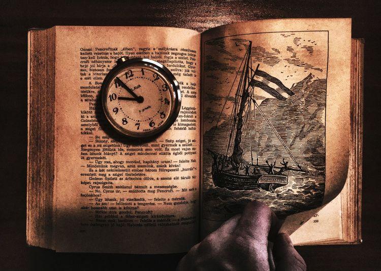 Book Old Sea Moody