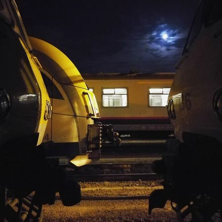 Train Moon NMBS Nightphotography