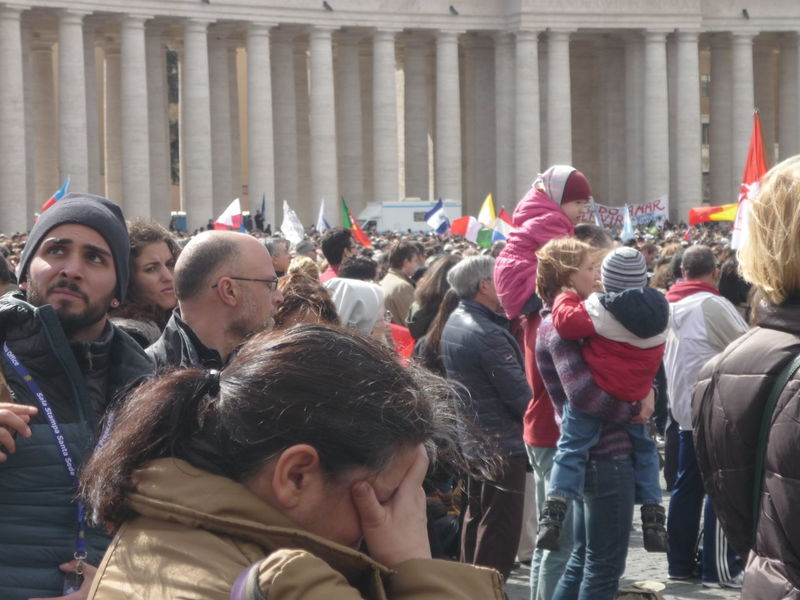 Adult Adults Only Celebration Colonnato Del Bernini Crowd Day Event Headwear Large Group Of People Men Only Men Outdoors Parade Participant People Pope Francis  Real People Togetherness Women